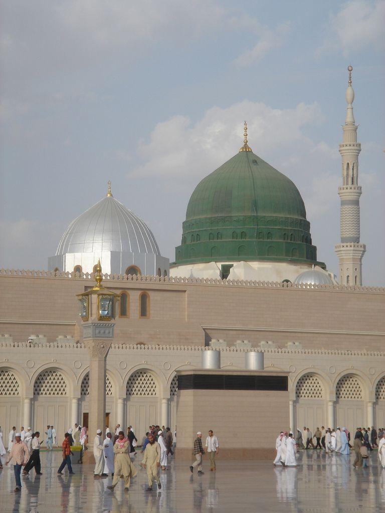 Medina: Saudis take a bulldozer to Islam's history ...