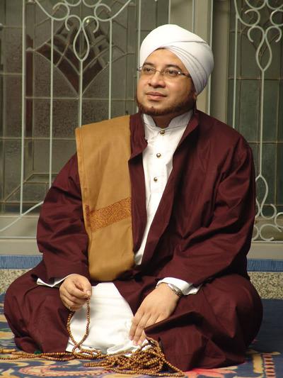 indonesia mourns as al habib munzir bin fuad al musawa passes away